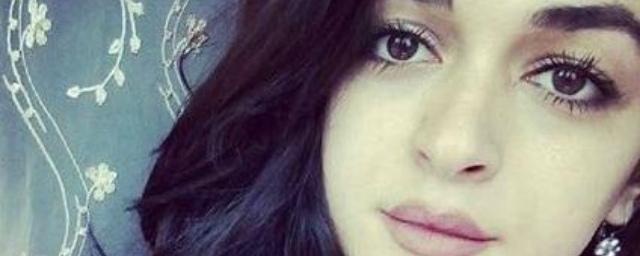 Убийство 21-летней девушки-дизайнера газеты из Нальчика сняли на видео | 256x640