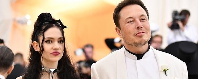 Возлюбленная Илона Маска намекнула на беременность