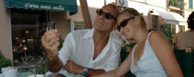 Юлия Высоцкая показала голый торс своего 82-летнего мужа