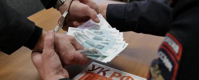 В Югре двух чиновников МЧС подозревают в вымогательстве 1,4 млн рублей