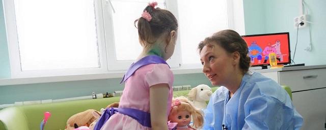 Брошенная в Москве «девочка-маугли» обзавелась родственниками