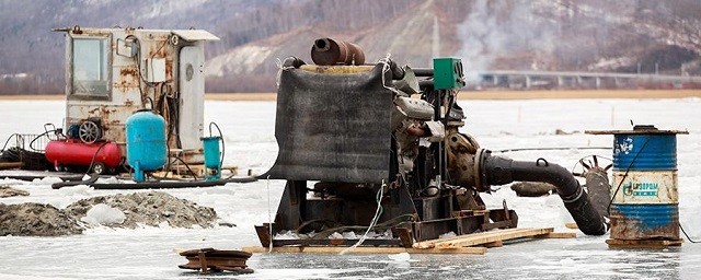 Суд Иркутска распорядился остановить строительство завода на Байкале