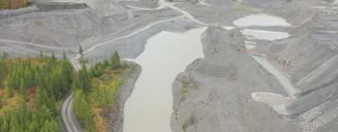 В Якутии на золотодобытчиков возбуждены дела за загрязнения реки