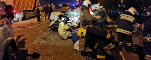 В результате ДТП в Барнауле погибли четыре человека, в том числе двое детей