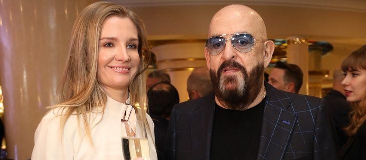 Михаил Шуфутинский хочет ребенка от молодой жены