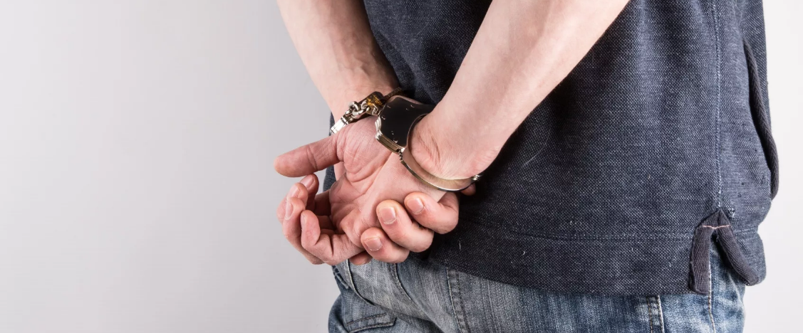Красногорские полицейские задержали подозреваемого в серии краж из магазинов