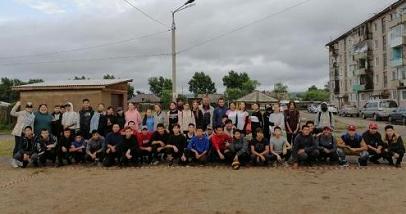 Депутат Анатолий Аблов поддержал дворовый турнир по волейболу в поселке Усть-Ордынский