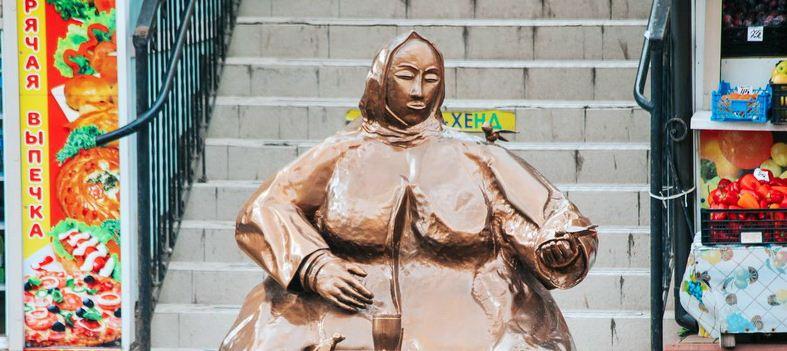 В Чебоксарах после голосования могут демонтировать памятник бабушке с семечками