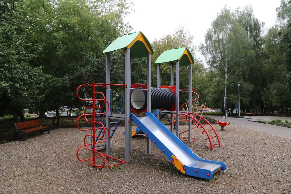 Юрий Шалабаев открыл общественное пространство на улице Усилова
