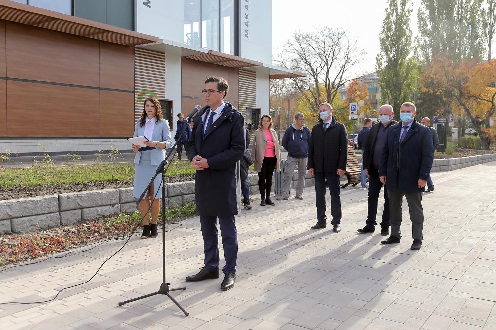 Юрием Шалабаевым открыт после благоустройства сквер у гостиницы «Заречная»