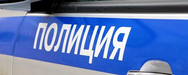 В Хомутовском районе мужчина дважды обворовал салон сотовой связи