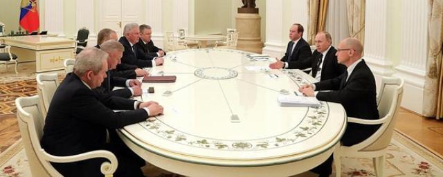 Череда губернаторских отставок завершена: Владимир Путин встретился с ушедшими в отставку  губернаторами  - и попосил их помочь преемникам