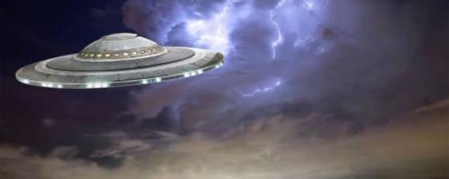 В Подмосковье на видео засняли НЛО