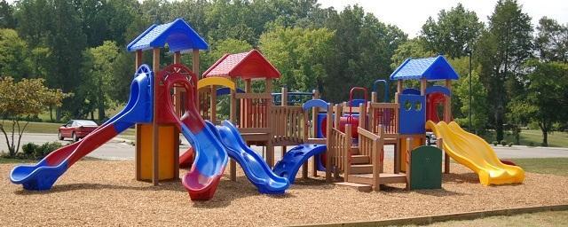 В Подмосковье насчитывается более 4600 устаревших детских площадок