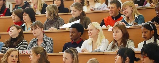 Большинство россиян считают низким качество образования в провинции