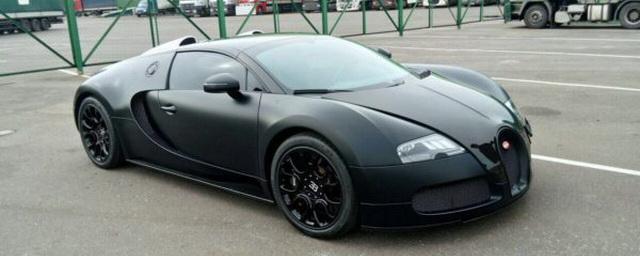 В Казани сняли на видео Bugatti Veyron стоимостью более 100 млн рублей