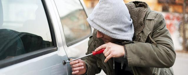 В Брянской области 17-летний юноша угнал десять автомобилей