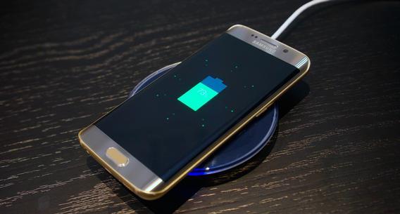 На русском рынке снизились цены на мобильные телефоны Самсунг