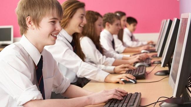 Работа за компьютером приводит к сокращению словарного запаса у детей