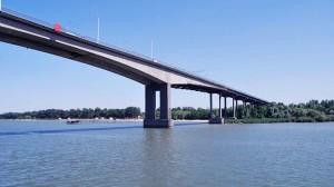 reconstruction of the bridge Voroshilovskogo