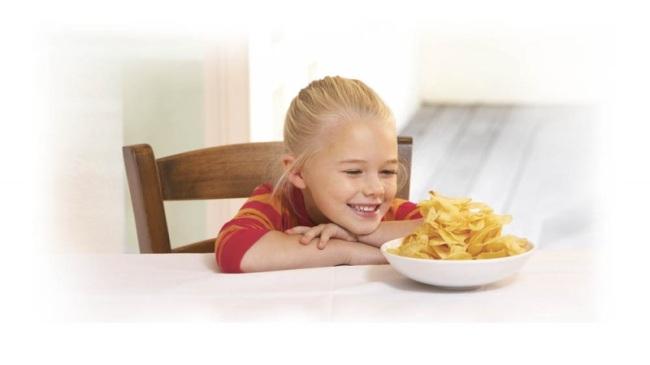Употребление чипсов замедляет развитие мозга детей