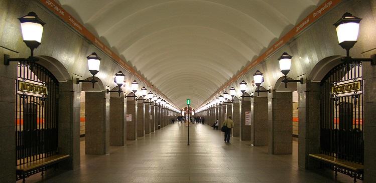 В Петербурге к 2017 году стоимость проезда в метро достигнет 35 рублей