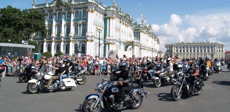 В Петербурге снизят транспортный налог на мотоциклы