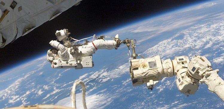 Российские космонавты вышли в открытый космос с борта МКС