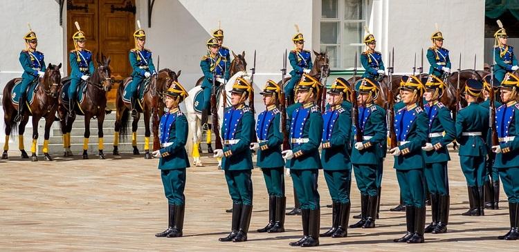 В Кремле прошел последний в 2014 году развод караулов