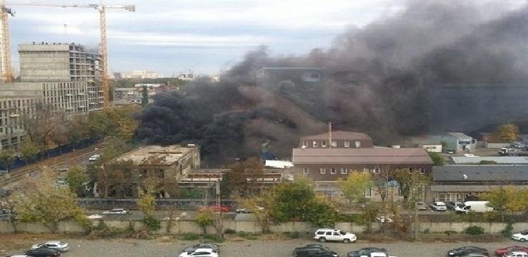 В Краснодаре в бывшем здании УФМС произошел пожар