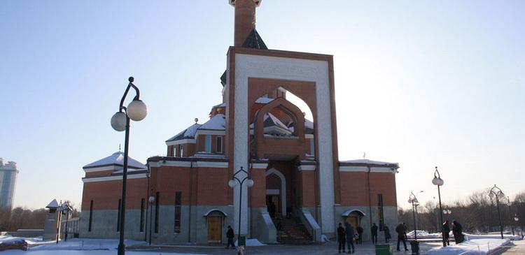 Мемориальную мечеть на поклонной горе