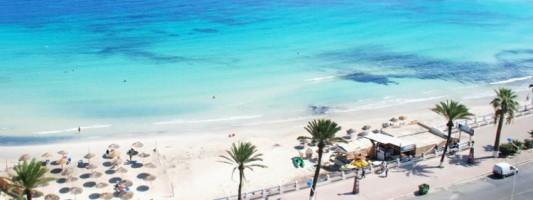 В Тунисе ввели полицейский контроль у входов на пляжи