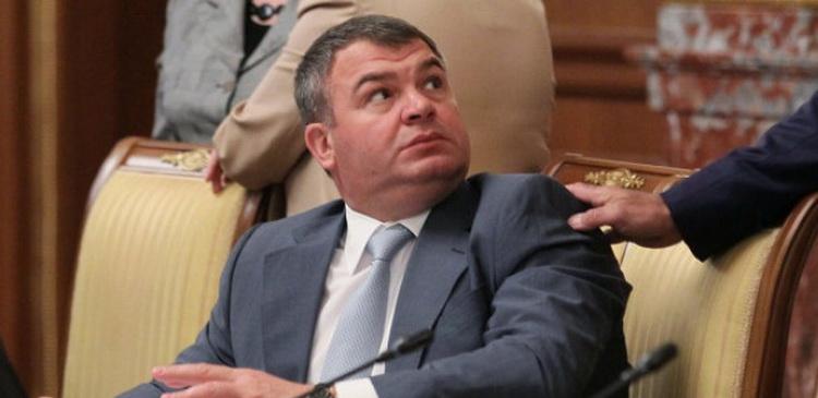 КПРФ предлагает провести парламентское расследование работы Сердюкова