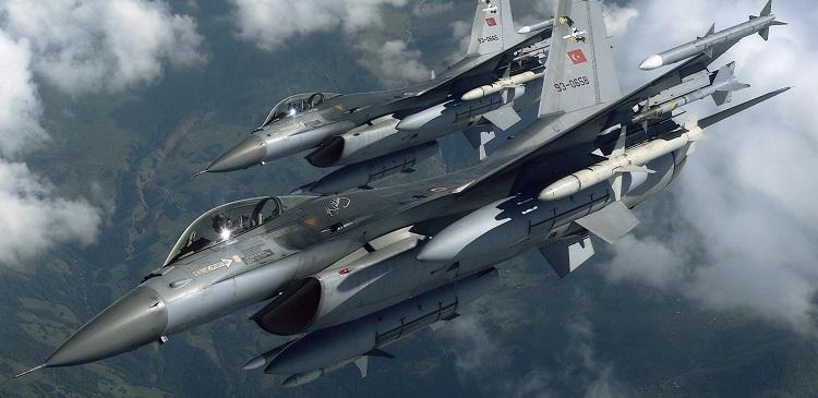 ВВС Турции нанесли удар по боевикам в Сирии