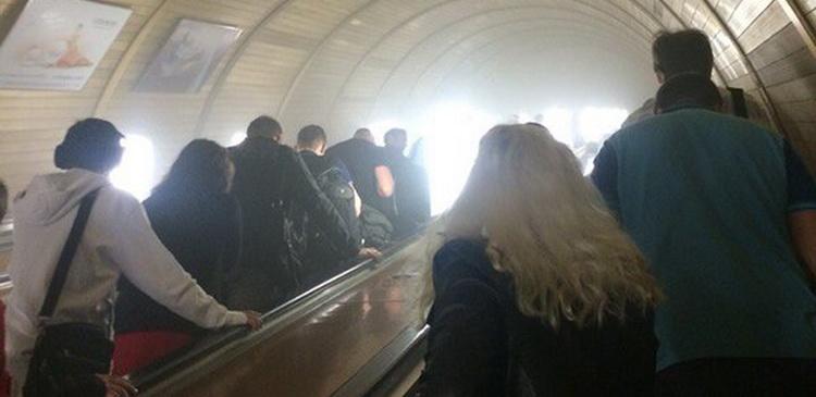 Проститутки в москве около метро дмитровская