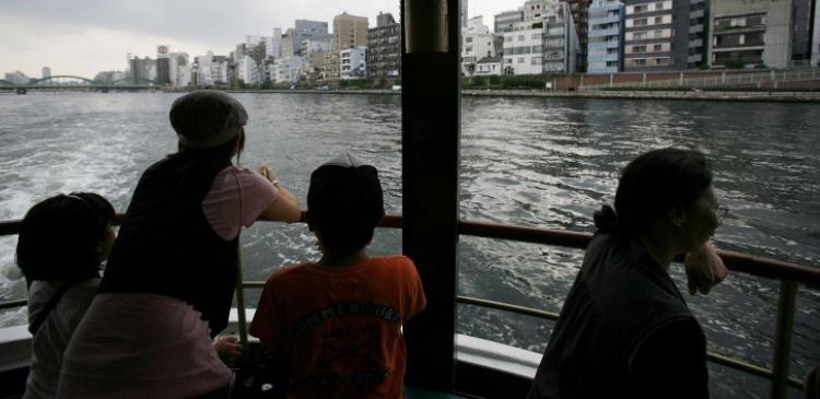паром япония